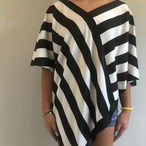 Vince Camuto top size S/M NWOT